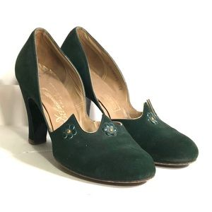 VINTAGE green heels by delmanette